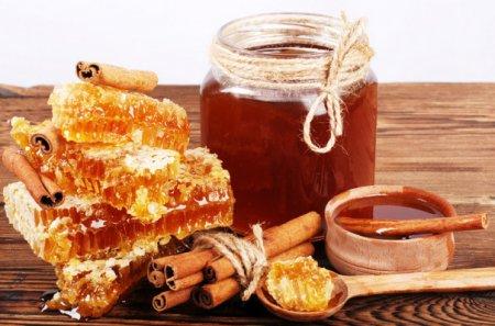 Մեղրով բնական բաղադրատոմսեր՝ սրտանոթային համակարգը մաքրելու և ամրապնդելու համար