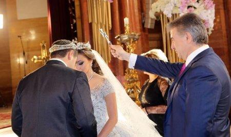 Սամվել Կարապետյանի որդու հարսանիքի կնքահայրը վարչապետ Կարեն Կարապետյանն է