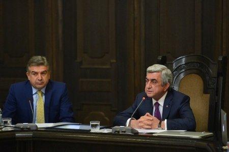 Ապրիլին Սերժ Սարգսյանն ու Կարեն Կարապետյանը կարող են հեռանալ