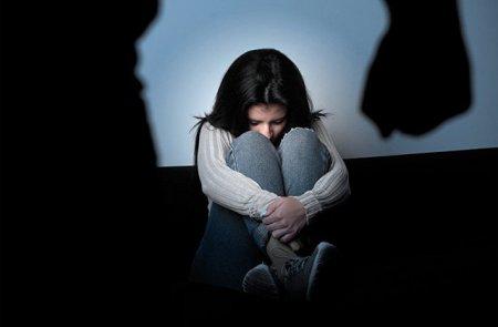 14-ամյա աղջիկը մոր ընկերոջ կողմից սեռական բռնության է ենթարկվել. տեսանյութ