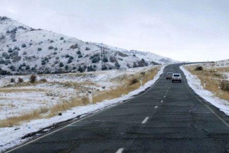 ՀՀ տարածքում ավտոճանապարհները հիմնականում անցանելի են. տեղ-տեղ մերկասառույց է