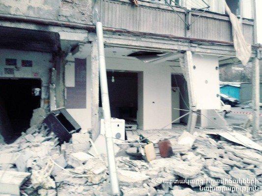 Փրկարարները դուրս բերեցին Երևանում պայթած շենքի փլատակների տակ մնացած բնակչի դիակը