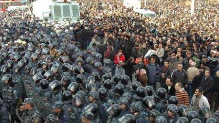 Կբացվի՞ Մյասնիկյանի արձանի հարակից տարածքը մարտի 1-ին. լուսանկարներ