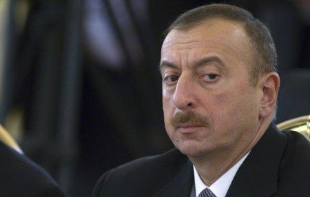 Կոնգրեսականը քննադատել է Ալիևի ռեպրեսիվ քաղաքականությանը՝ օրինակ բերելով Հայաստանում ծաղկող ժողովրդավարությունը