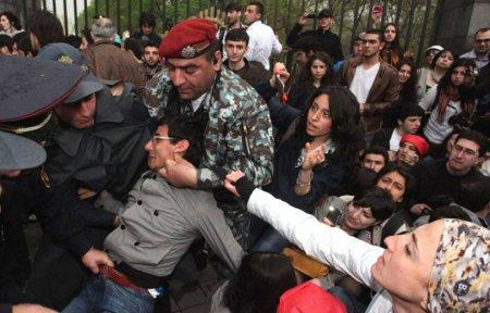 Հայաստանում ոստիկանությունը բիրտ ուժ է կիրառում. Amnesty International