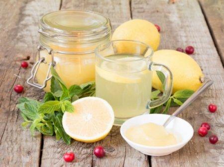 Ամեն առավոտ մեղրով եւ կիտրոնով ջուր խմելու 3 պատճառ