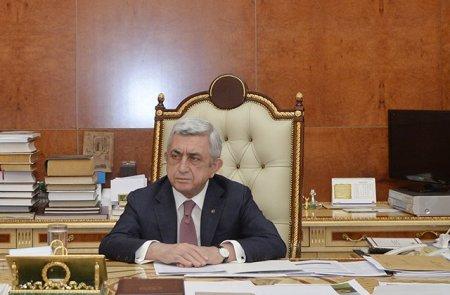 Սերժ Սարգսյանն աշխատանքից ազատել է իր խորհրդականներին
