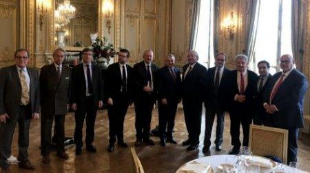 Փարիզում կայացել է Արցախի Հանրապետության ԱԺ նախագահի հանդիպումը ֆրանսիացի խորհրդարանականների հետ