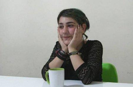 Դավիթ Սանասարյանը փորձում էր լիցքավորել Ասյա Խաչատրյանի հեռախոսահամարը և խոստովանում, որ վերջինիս չսիրել չի լինում (լուսանկարներ)