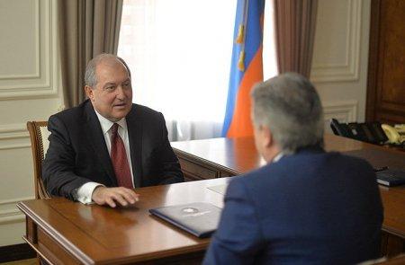 Արմեն Սարգսյանն ընդունել է կառավարության հրաժարականը