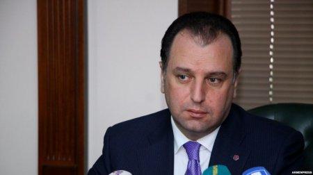 Վիգեն Սարգսյանը հայտարարել է պաշտպանության նախարարի պաշտոնակատարի լիազորությունները վայր դնելու մասին