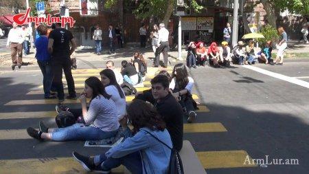 Համաժողովրդական շարժմանը մասնակցած ուսանողներն անցել են սպառնալիքների. Նիկոլ Փաշինյանը կոչով հանդես կգա՞. «Ժողովուրդ»