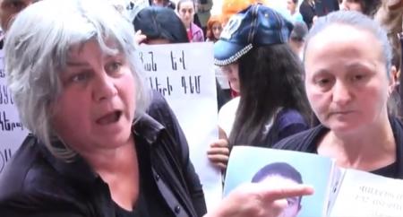 Զոհված զինծառայողների ծնողները զգուշացնում են Նիկոլ Փաշինյանին. հակառակ դեպքում...