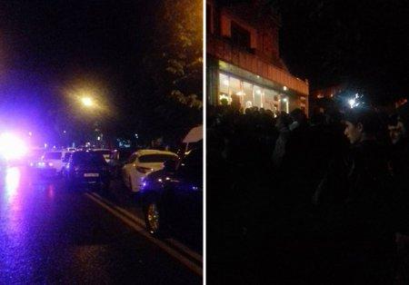 Ստեփանակերտում ԱԱԾ սպեցնազը ծեծի է ենթարկել երկու քաղաքացիների.  տասնյակ մարդիկ փակել են փողոցը