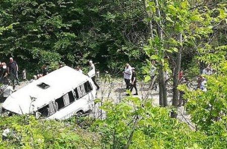 Միկրոավտոբուսի վթարի հետևանքով երեք մարդ է զոհվել, 16 մարղ վիրավորվել է