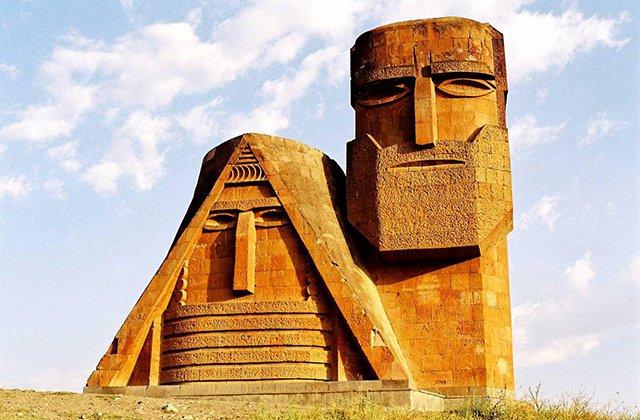 Հաջորդ շաբաթ Հայաստանի խորհրդարանը ճանաչելու է Արցախի անկախությունը, թեև այլևս որևէ էական նշանակություն ունենալ չի կարող