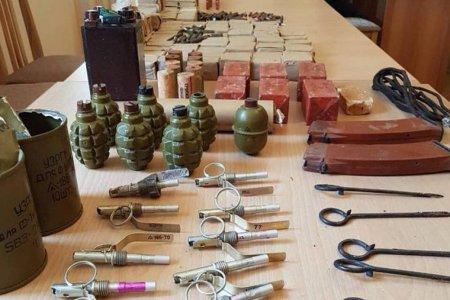 Մեծ քանակությամբ զենք-զինամթերք է հանձնվել Ռազմական ոստիկանությանը