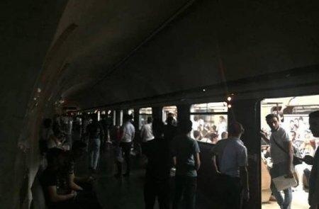 Ադրբեջանցիները՝ խավարում.Բաքվի մետրոն այսօր էլ չի գործի. տեսանյութ