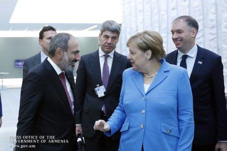 Դուք Հայաստանի նոր վարչապետն եք, շնորհավորում եմ Ձեզ․ Մերկելը՝ Փաշինյանին (տեսանյութ)