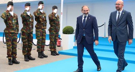 Made in Armenia․ իտալացիները նկատել են՝ Փաշինյանը միայն հայկական կոշիկներ է հագնում