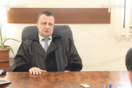 «Հրապարակ» .Դատական համակարգում մի տեսակ սարսափած են դատավոր Ալեքսանդր Ազարյանի նկատմամբ սկսված արշավից