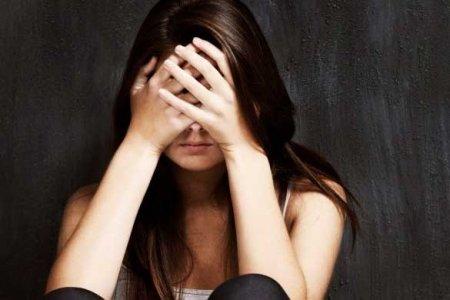 Անհայտ անձը շենքի մուտքում փորձել է 12-ամյա աղջնակի հետ անառակաբարո գործողություն անել. աղջիկը բղավել է ու փախել (տեսանյութ)