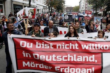 Էրդողանի ժամանումից քիչ առաջ բողոքի ակցիա է սկսվել Գերմանիայում