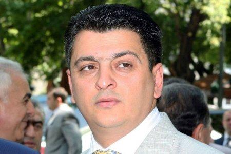 «Ժողովուրդ» .Դանակավորները շատացել են.դատախազի նախկին տեղակալը դատի է տվել Սերժ Սարգսյանին