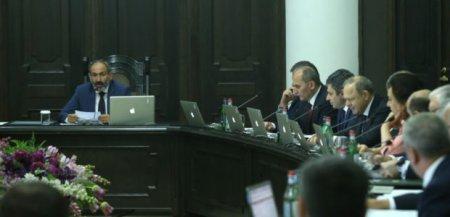 ՀՀԿ խմբակցության մի քանի պատգամավորներ ևս միացան.Նիկոլ Փաշինյանն առաջադրվեց վարչապետի թեկնածու
