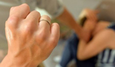 Տղամարդը ծեծել է կնոջը՝ գումար խնդրելու համար