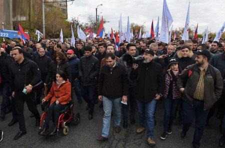 Արտառոց երթ Երևանում․ ո՞ւմ է հասցեագրված Նիկոլ Փաշինյանի ուղերձը