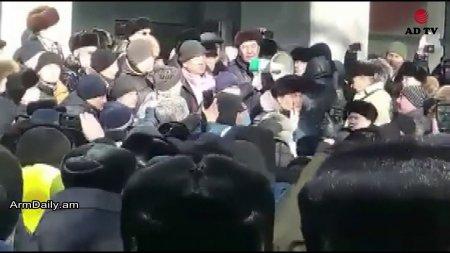 Տեսանյութ. «Վառել հայերին». հակահայ հանրահավաք Ղազախստանում.տեղի հայերը վախեցած ու զարմացած են