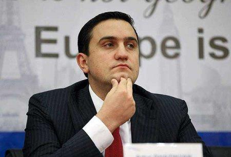 Փաշինյանը Հայաստանի առաջին ղեկավարն է, որ ընտրությունից հետո չի այցելել Իրան. Արթուր Ղազինյան