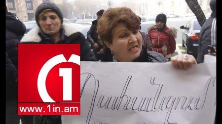 Տեսանյութ. Ալեքսանյանի «Սիթիները» խփել ա ժողովրդի վզին․ բացօթյա առևտրով զբաղվղների բողոքի ակցիան