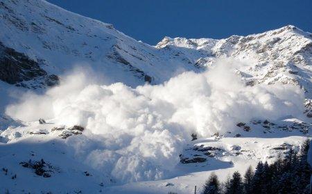 Ձնահոսքի մեջ ընկածներին դուրս են բերել. Ֆրանսիայի քաղաքացի լեռնագնացը ՊՆ ուղղաթիռում մահացել է