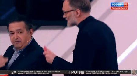 Տեսանյութ.  Ստեփանյանը բաժակով ջուրը շփել է Վայների վրա.Սոլովյովը ստուդիայից վռնդել է երկուսին էլ