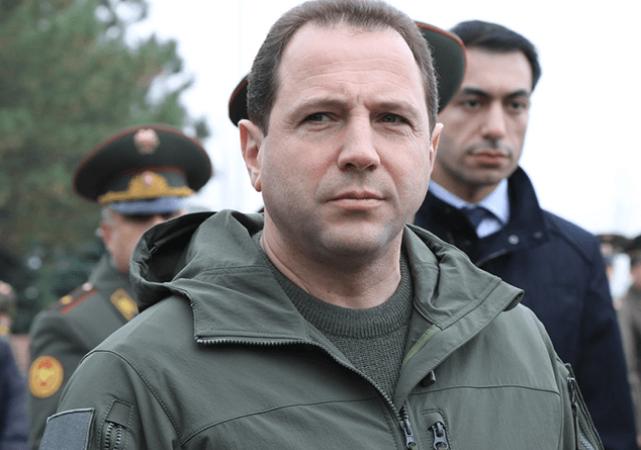 Դավիթ Տոնոյանը հանձնարարել է զինկոմիսարիատների մասին որոշումները հետաձգել