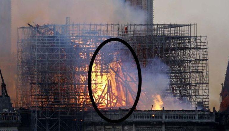 Շոտլանդուհին պնդում է, որ այրվող Աստվածամոր տաճարի լուսանկարում նշմարել է Հիսուսի ուրվագիծը