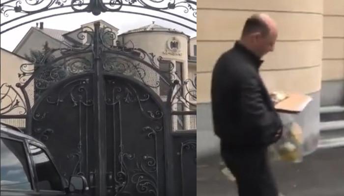 Տեսանյութ. ԱԱԾ աշխատակիցները Միհրան Պողոսյանի առանձնատնից դուրս եկան կապոցներով