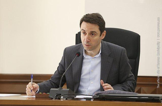 Քաղաքապետարանի ամբողջ անձնակազմը կստանա եռամսյակային պարգևավճարներ,հետո՝ աշխատավարձերի բարձրացում
