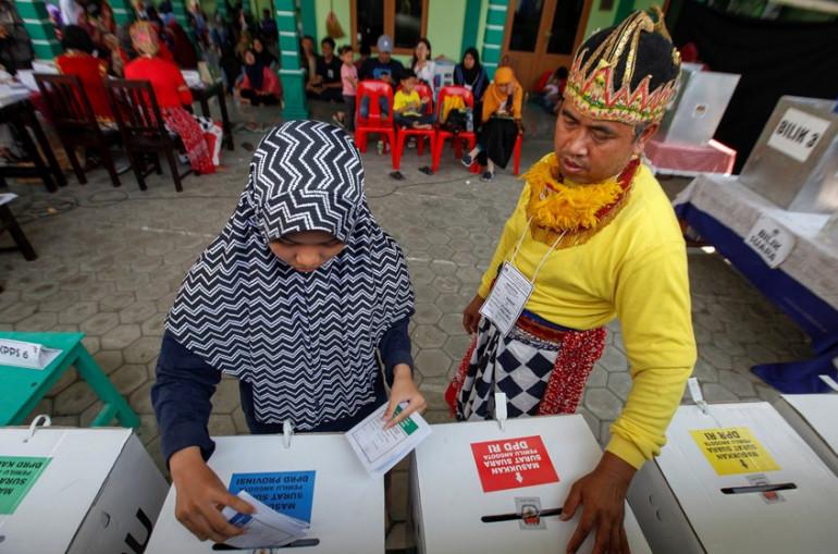 Ինդոնեզիայում ընտրությունների ձայների հաշվարկի ժամանակ գերհոգնածությունից ավելի քան 54 մարդ է մահացել,32-ը՝ հոսպիտալացվել
