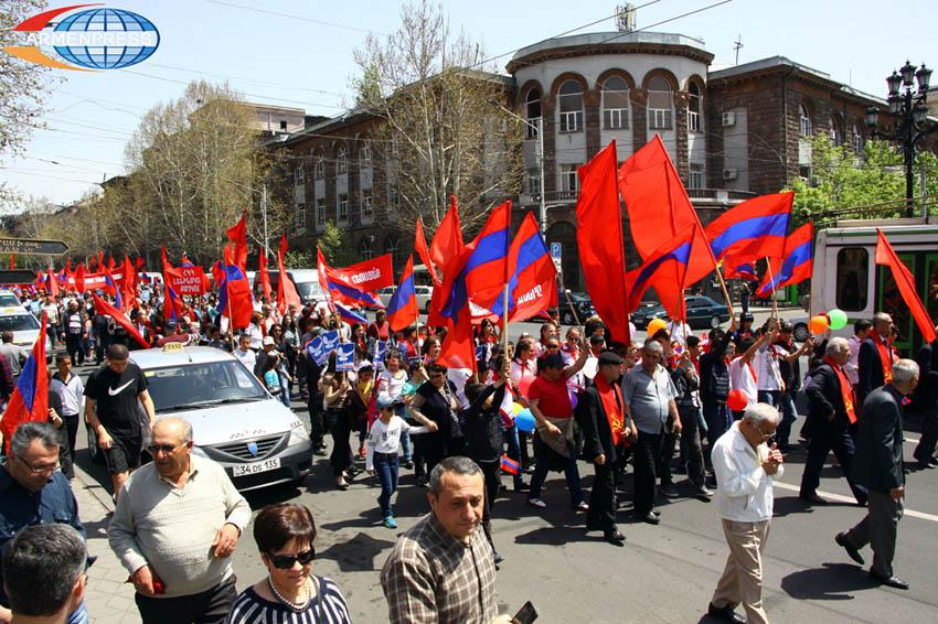 Պետք չէ թշնամանալ ռուսների հետ.Հայաստանի Կոմկուսը կաջակցի Փաշինյանին հայ-ռուսական հարաբերությունների բարելավման գործում