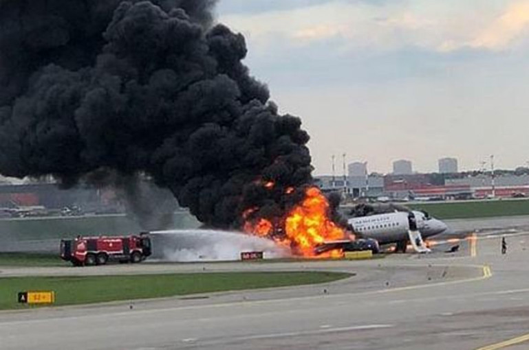 Ինչպես են փրկել «Շերեմետևոյում» վայրէջք կատարելիս բռնկված օդանավի ուղևորներին.եռօրյա սուգ է հայտարարվել