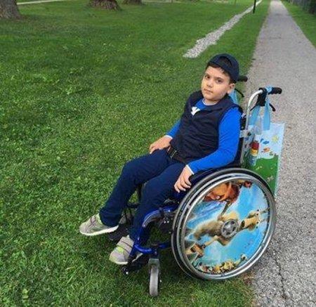 Օգնեք որդուս զգալ քայլելու բերկրանքը. Հայկին անհրաժեշտ է անհապաղ վիրահատություն Գերմանիայում